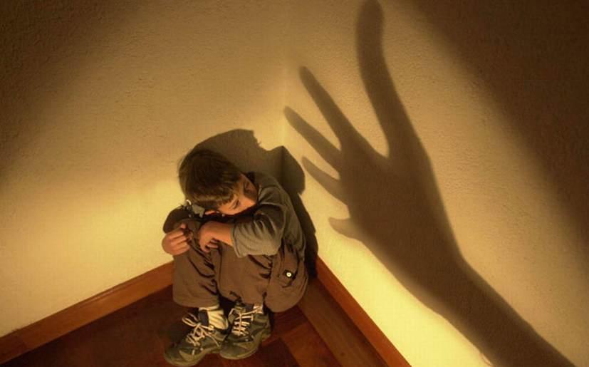 malos tratos infantiles
