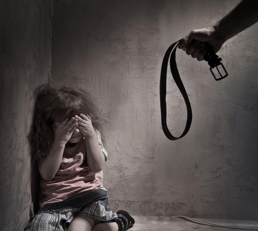 malos-tratos-infantiles causas frecuentes