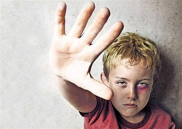 malos tratos infantiles frecuentes