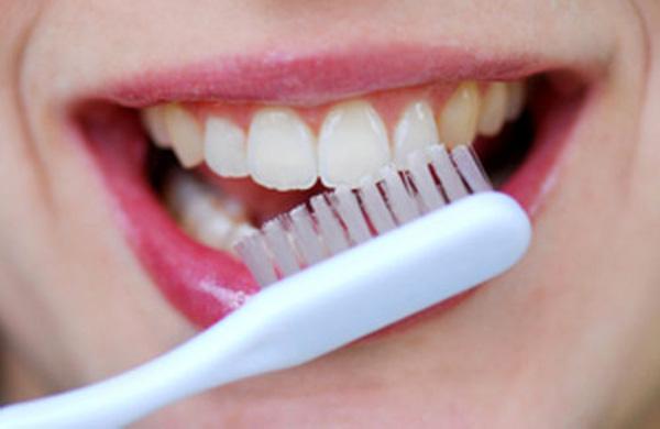 agua oxigenada para los dientes